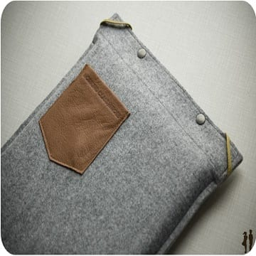 felt-laptop-case-with-pocket